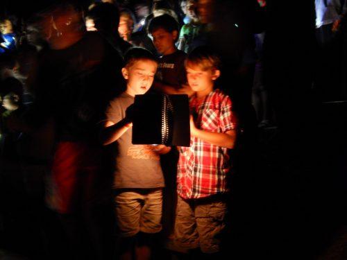 Two singing boys in the night at Ebenezer