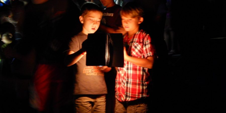 Two singing boys in the night at Ebenezer
