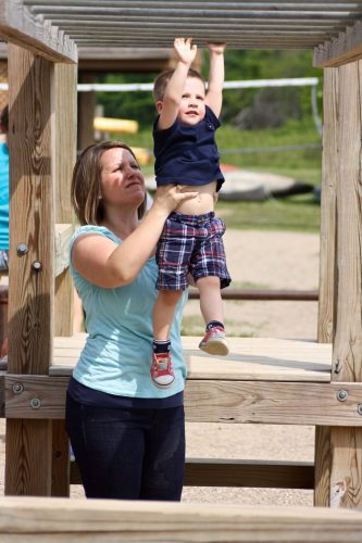 Learning to play on the monkey bars